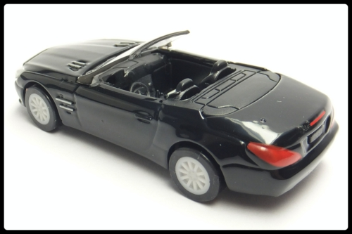 Mercedes-Benz_SL-Class_16