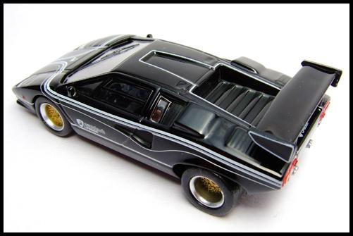 KYOSHO_Lamborghini_3_Countach_LP500R_GOLD2_1
