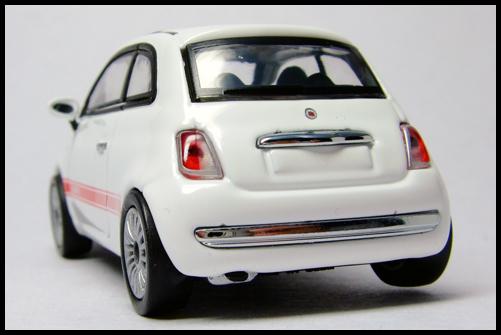 MINICHAMPS_64_Fiat_500_14