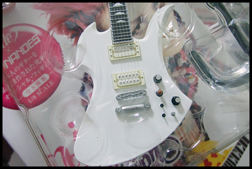 hide_Guitar_Collection_9