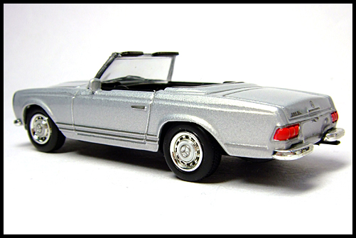 KYOSHO_Mercedes-Bentz_Typ_280_SL_Silver_11