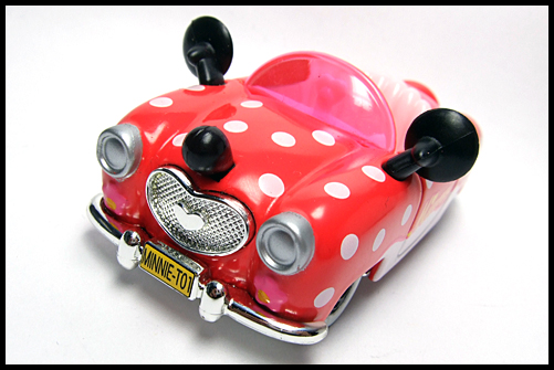 TOMICA_Disney_Minnies_Convertible_2011_4
