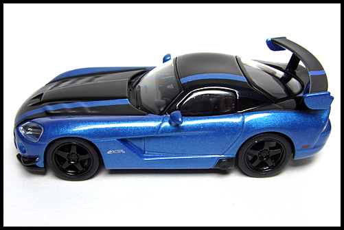 KYOSHO_USA_2_Dodge_Viper_SRT10_ACR_BLUE_14