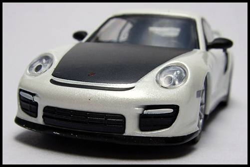 KYOSHO_PORSCHE_911_GT2_RS_WHITE_PEARL_4