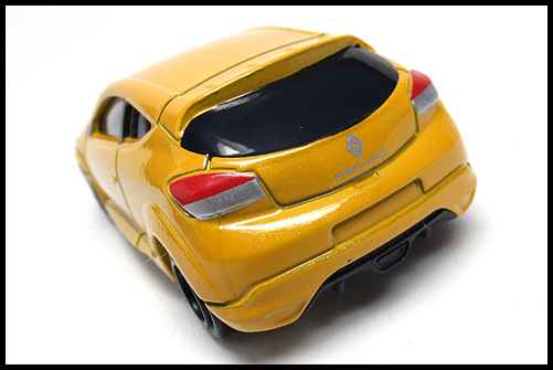 TOMICA_Renault_MEGANE_RS_16