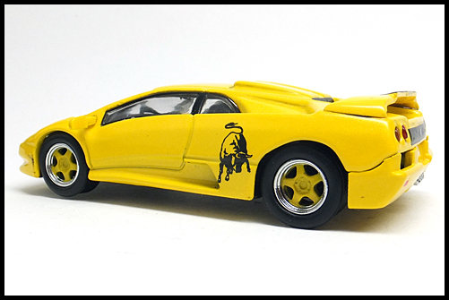 KYOSHO_Lamborghini4_Diablo_SV_Yellow_11
