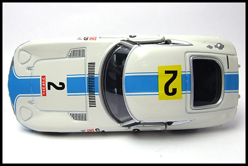TOMICA_LIMITED_TOYOTA_2000GT_2MODELS_FIRST_6