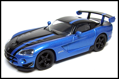 KYOSHO_USA_2_Dodge_Viper_SRT10_ACR_BLUE_16