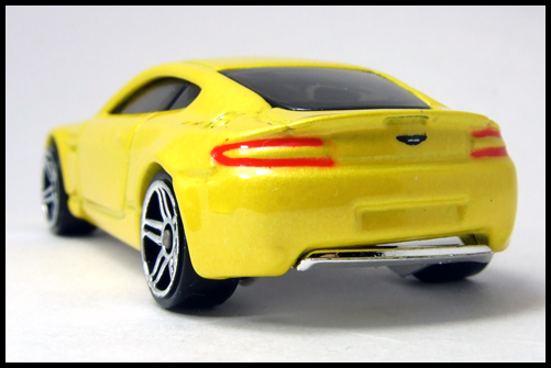 HotWheels_2005_FIRSTEDITIONS_ASTONMARTIN_VANTEGE11