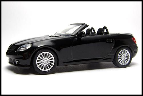 KYOSHO_AMG_Minicar_Collection_Mercedes_Benz_SLK_55_AMG_Black_2