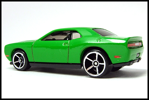 HotWheels_2008_First_Edition_Dodge_Challenger_SRT8_12