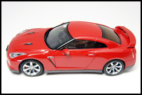 KYOSHO_NISSAN_GT-R_R35_RED21