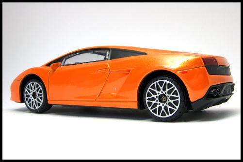 RASTAR_Lamborghini_GALLARDO_LP560-4_12