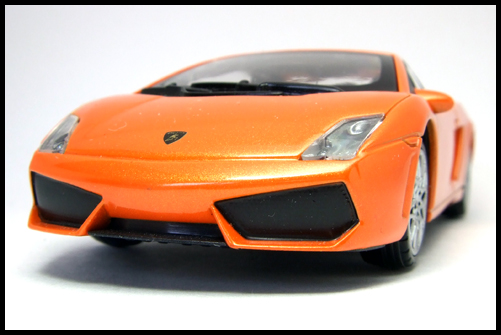 RASTAR_Lamborghini_GALLARDO_LP560-4_14
