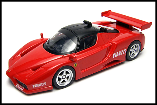 KYOSHO_FERRARI8_ENZO_GT_CONCEPT_RED_16