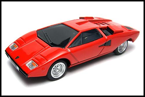 BOSS_Lamborghini_SuperCar_Collection_Countach_LP400_15