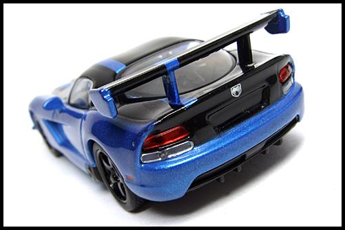 KYOSHO_USA_2_Dodge_Viper_SRT10_ACR_BLUE_10