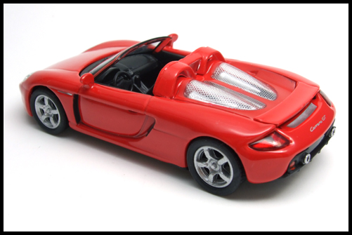 KYOSHO_PORSCHE_CARRERA_GT_RED_14