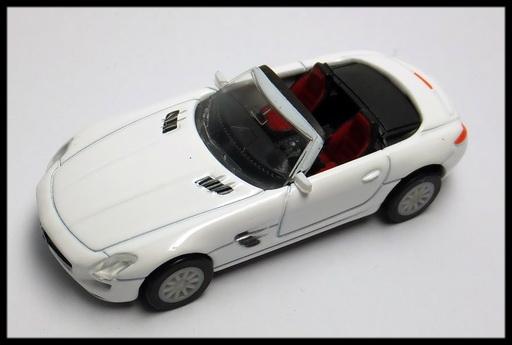 GEORGIA_Mercedes-Benz_SLS_AMG_Roadster_9