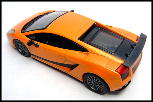 KYOSHO_Lamborghini_3_Gallardo_Superleggera_Orange_1