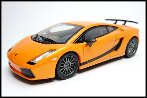 KYOSHO_Lamborghini_3_Gallardo_Superleggera_Orange_15