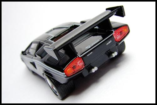 KYOSHO_Lamborghini_3_Countach_LP500R_GOLD2_9