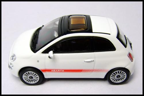 MINICHAMPS_64_Fiat_500_12