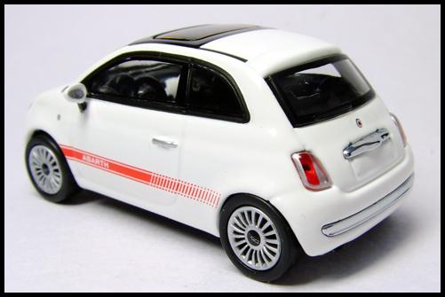 MINICHAMPS_64_Fiat_500_15
