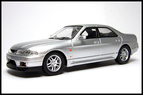 KYOSHO_NISSAN_SKYLINE_GT-R_AUTECH_VERSION_40th_ANNIVERSARY_3