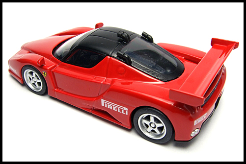 KYOSHO_FERRARI8_ENZO_GT_CONCEPT_RED_9