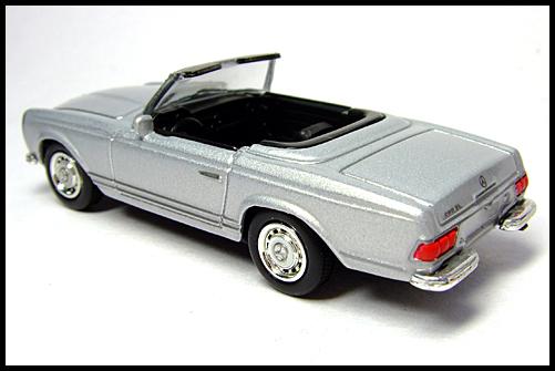 KYOSHO_Mercedes-Bentz_Typ_280_SL_Silver_10