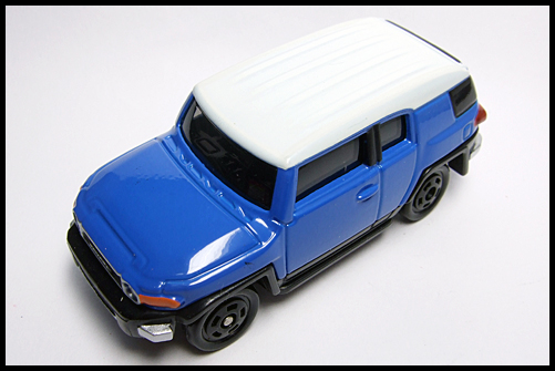 TOMICA_85_TOYOTA_FJ_CRUISER_FIRST_15