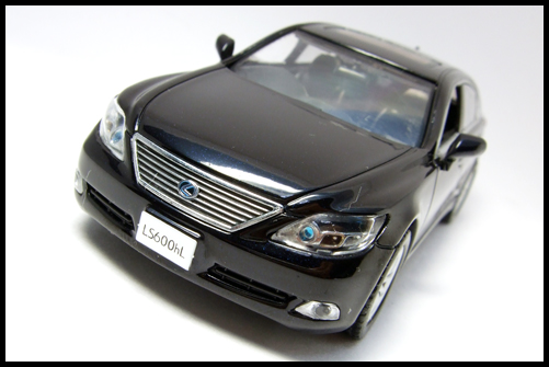 KYOSHO_J-Collection_Lexus_LS600hL14