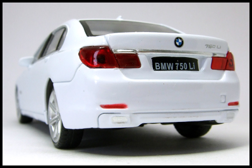 RASTAR_BMW_750_Li_11