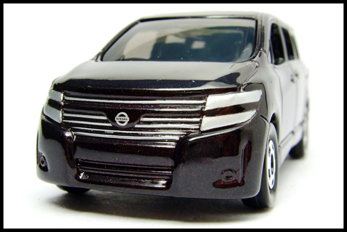 TOMICA_NISSAN_ELGRAND_4