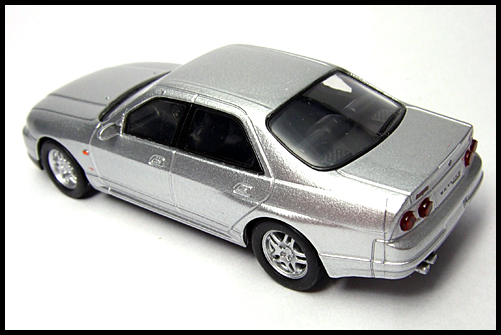 KYOSHO_NISSAN_SKYLINE_GT-R_AUTECH_VERSION_40th_ANNIVERSARY_11