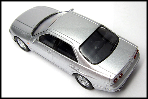 KYOSHO_NISSAN_SKYLINE_GT-R_AUTECH_VERSION_40th_ANNIVERSARY_10