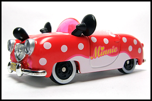 TOMICA_Disney_Minnies_Convertible_2011_2