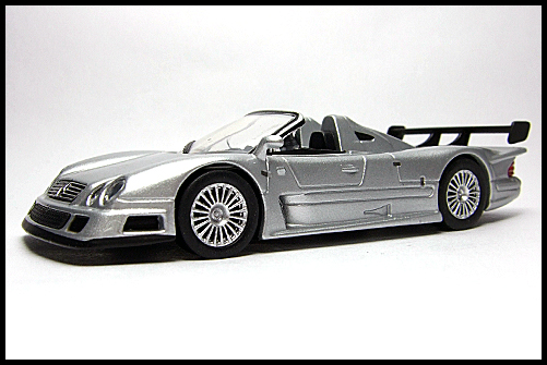 KYOSHO_AMG_Minicar_Collection_CLK_GTR_Roadster_Silver_1