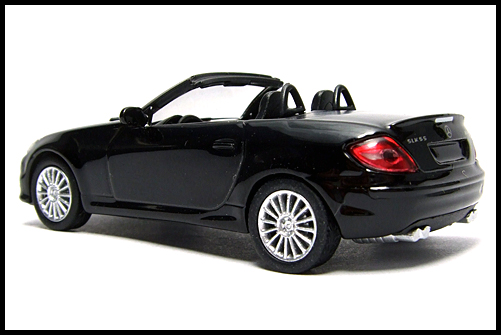 KYOSHO_AMG_Minicar_Collection_Mercedes_Benz_SLK_55_AMG_Black_10