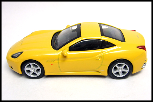 KYOSHO_FERRARI_7_NEO_California_Yellow_16