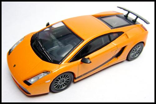 KYOSHO_Lamborghini_3_Gallardo_Superleggera_Orange_14