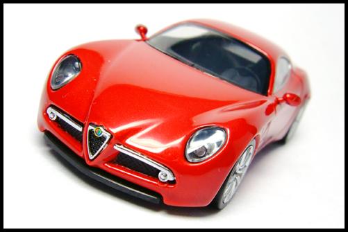 MINICHAMPS_64_Alfa_Romeo_8C_Competizione__3