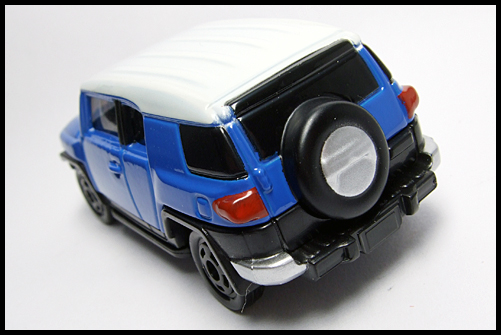 TOMICA_85_TOYOTA_FJ_CRUISER_FIRST_13