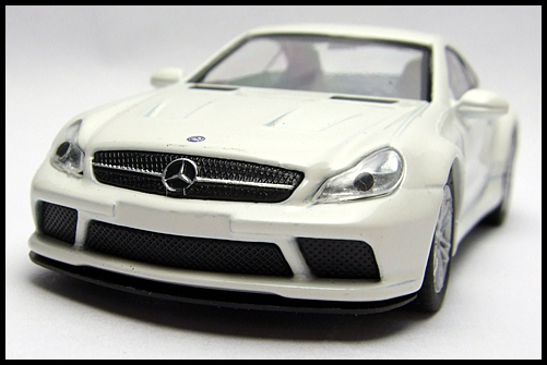 KYOSHO_AMG_Minicar_Collection_Mercedes_Benz_SL_65_Black_Series_2