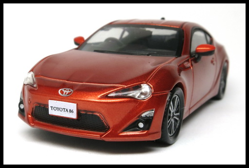 interallied_TOYOTA_86_GT_ORANGE_2