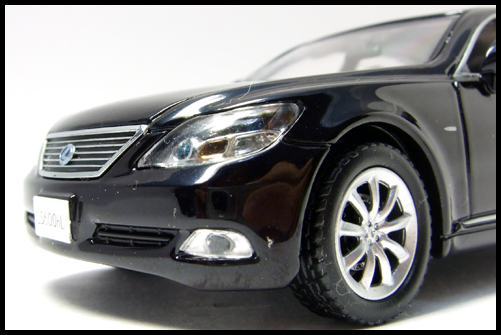 KYOSHO_J-Collection_Lexus_LS600hL24