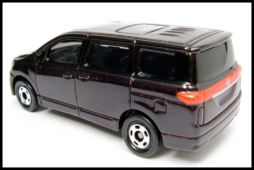 TOMICA_NISSAN_ELGRAND_11