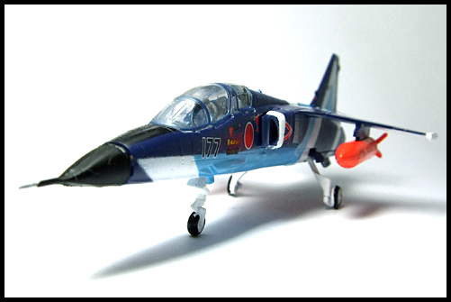 F-Toys_JASDF_Collection_Special_T-2_BlueImpulse_5