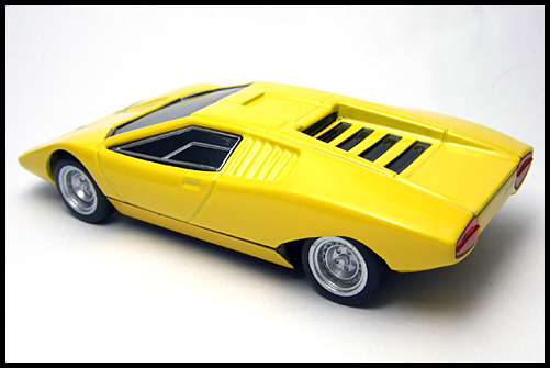 BOSS_Lamborghini_Minicar_Selection_Countach_LP500_12